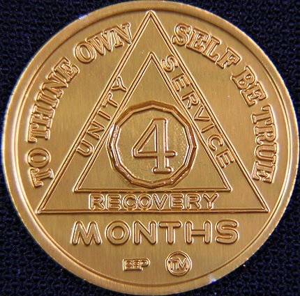 4 Month Sobriety chip Aluminium Gold