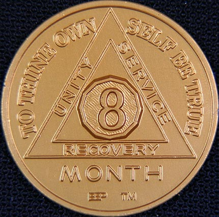 8 Month Sobriety chip Aluminium Gold
